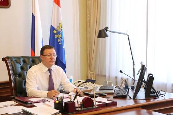 Дмитрий Азаров поручил отработать каждое обращение жителей региона к президенту России в короткие сроки   CityTraffic