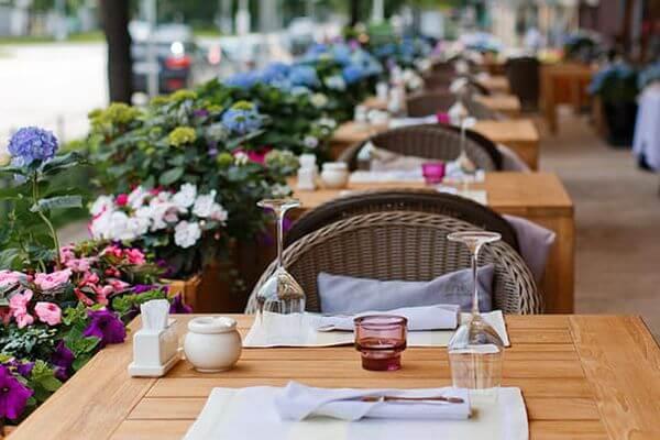 Губернатор Самарской области подписал закон оработе сезонных кафе