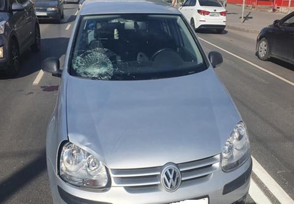 В Самаре водитель иномарки сбил 55-летнюю женщину, которая переходила дорогу не там, где нужно | CityTraffic