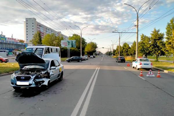 В Тольятти в результате столкновения Datsun и LADA пострадал 12-летний пассажир вазовской легковушки | CityTraffic