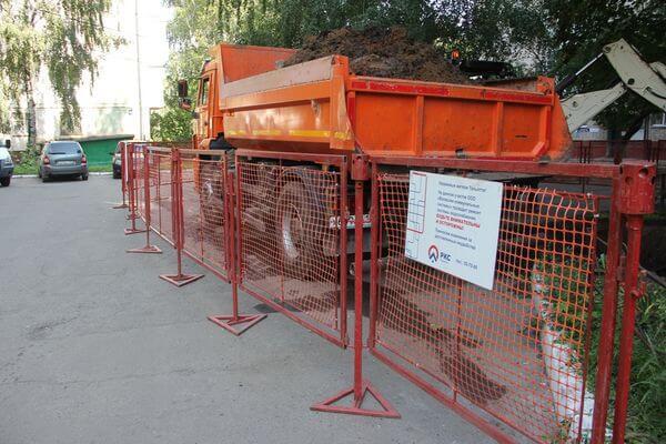 В Тольятти украли ограждение котлована, которое установили коммунальщики | CityTraffic