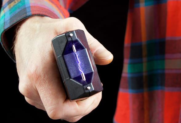 Возможно ли привлечение к ответственности за использование электрошокера для самообороны | CityTraffic