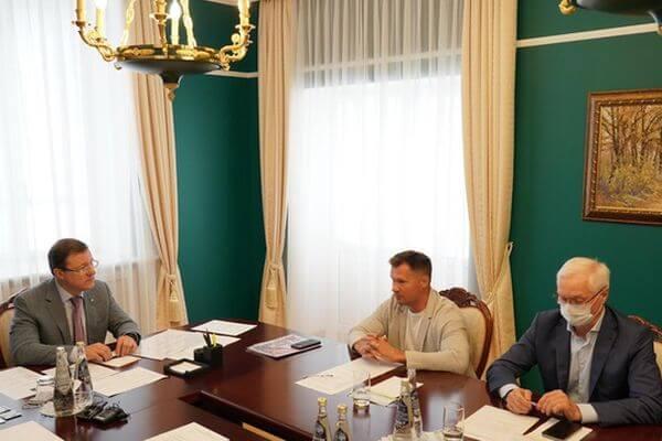 Дмитрий Азаров иАлексей Немов обсудили будущее центра спортивной гимнастики вТольятти