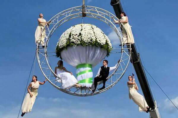 В Тольятти соорудили самый большой свадебный букет | CityTraffic