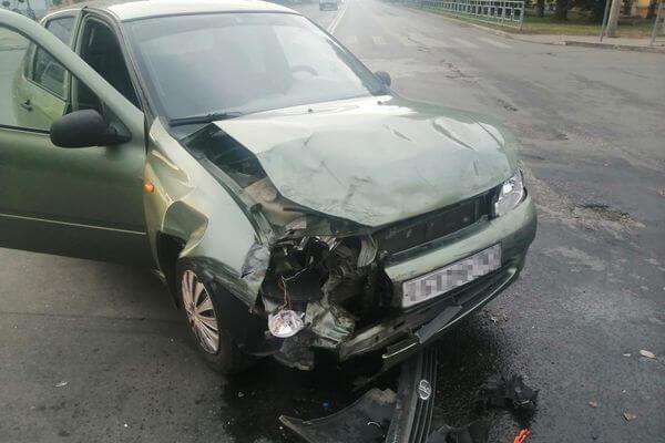 Четыре человека пострадали встолкновении двух автомобилей вСызрани