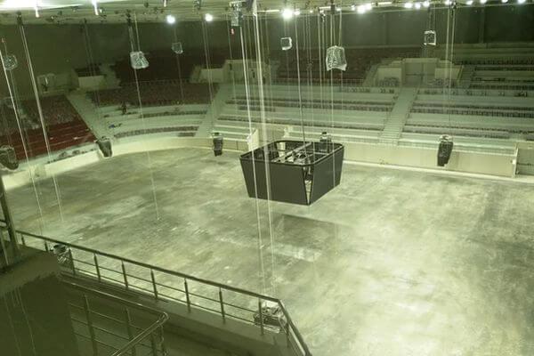 Во Дворце спорта вСамаре начали укладывать лед на основной площадке