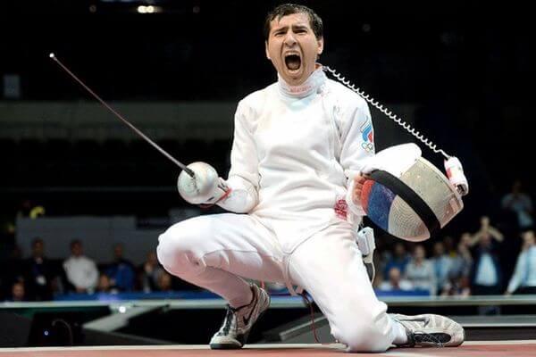 Фехтовальщик из Самары Павел Сухов вышел в финал командного турнира Олимпиады в Токио | CityTraffic