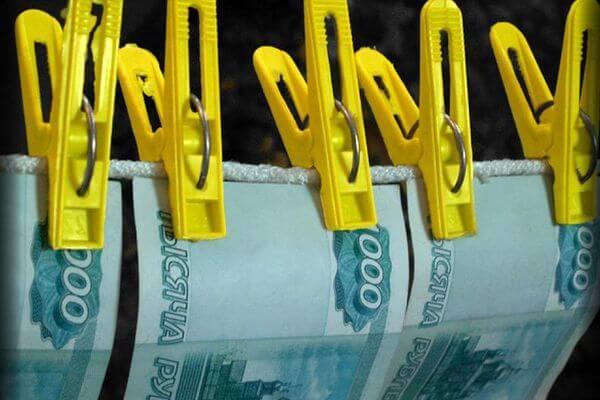В Самаре главный финансист учебного учреждения подозревается вотмывании денег