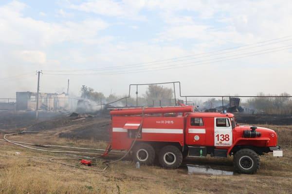 Огонь уничтожил 16 строений в селе Немчанка Самарской области | CityTraffic