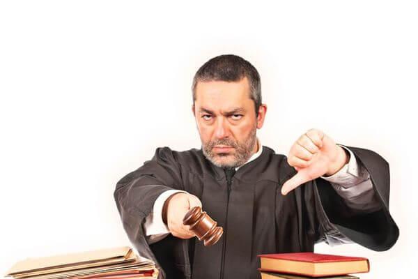 Счета кандидата Маряхина арестованы, его жалобы суд не принимает