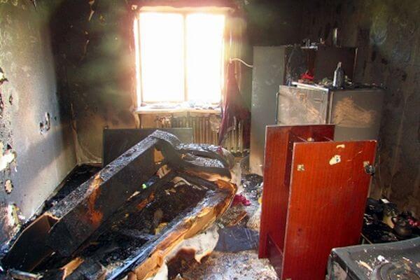 Мужчина, погибший на пожаре в Жигулевске, оказался убит | CityTraffic