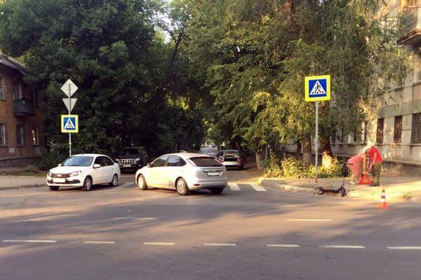 В Самаре подросток на электросамокате попал под машину | CityTraffic