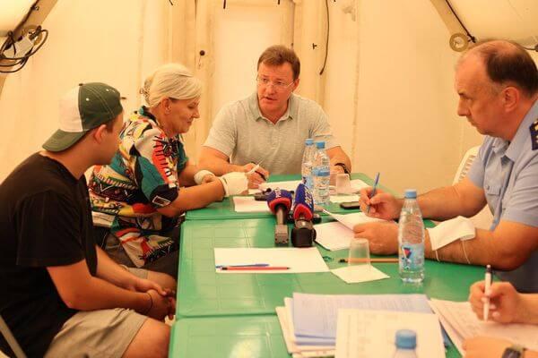Дмитрий Азаров обещал помочь погорельцам Борского района | CityTraffic