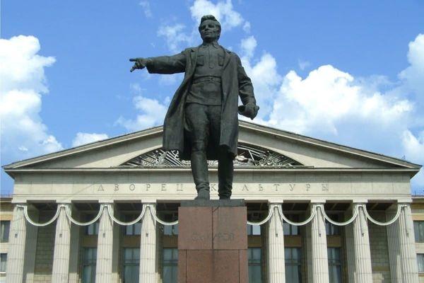 В Самаре памятники Кирову иДзержинскому взяли под охрану