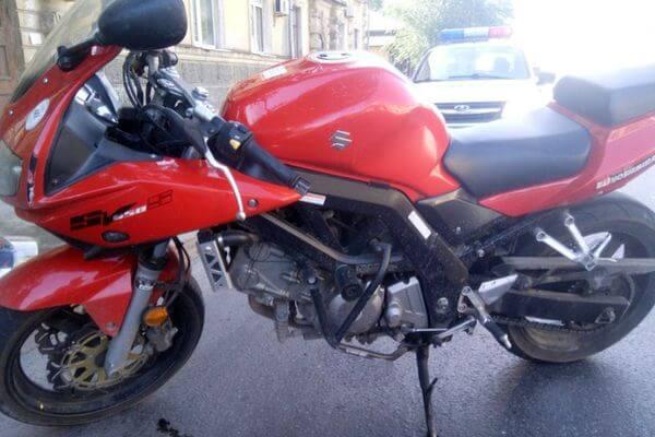 В Самаре мотоциклист сбил девочку на переходе | CityTraffic