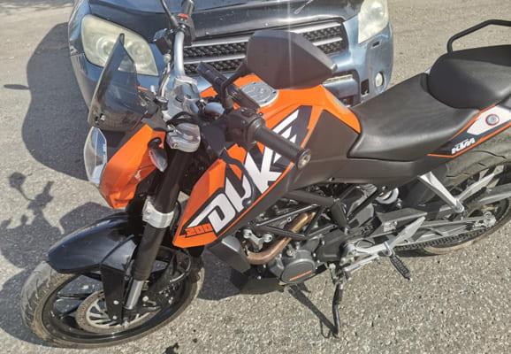 В Самаре в больницу попал мотоциклист, которого не пропустил водитель автомобиля Toyota | CityTraffic