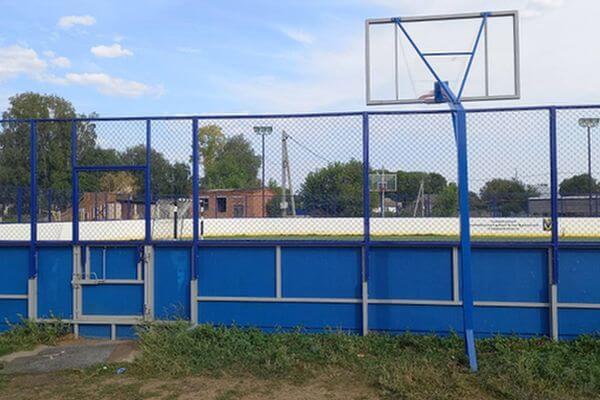 Селянин в Самарской области стащил с детской площадки волейбольную стойку | CityTraffic