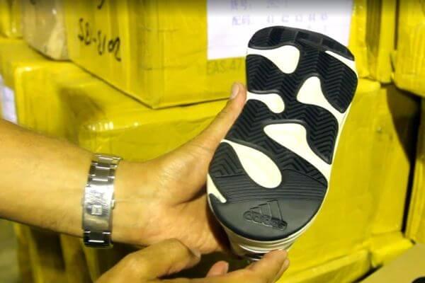 Больше 12 тысяч пар поддельных кроссовок ADIDAS иNIKE задержали самарские таможенники