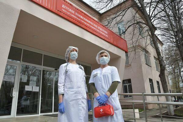 Медики госучреждений Самарской области получат дополнительные выплаты