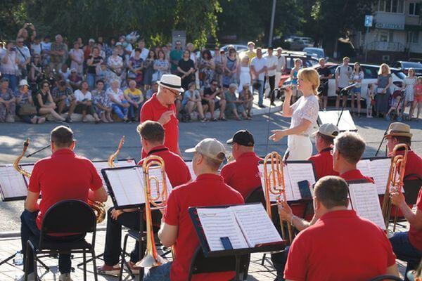В Тольятти оркестры филармонии сыграют для горожан в парке | CityTraffic