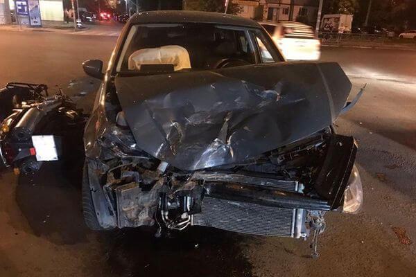В Самаре девушка взяла иномарку в каршеринг и сбила мотоциклиста | CityTraffic