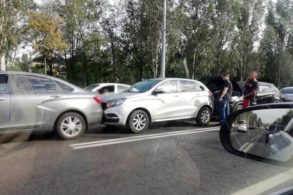 На Московском шоссе в Самаре столкнулись 5 автомобилей | CityTraffic