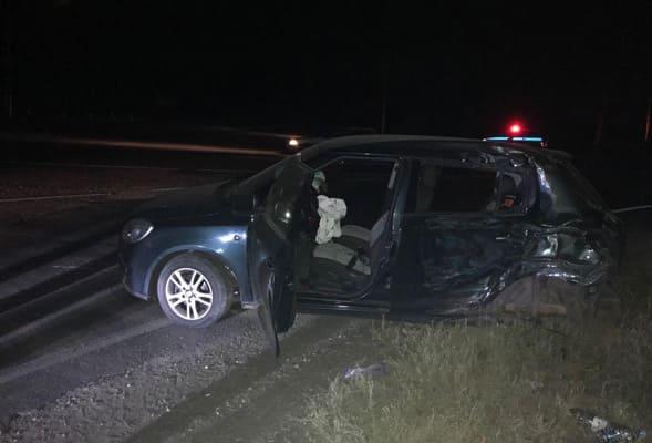В Самарской области легковушка врезалась в грузовик, пострадали двое взрослых и 3-летний ребенок | CityTraffic