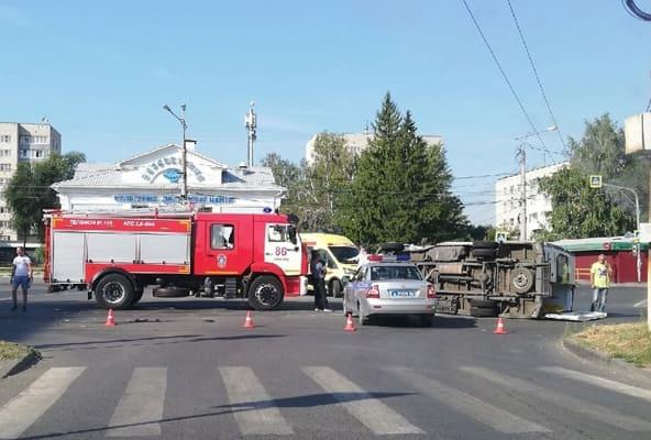 Два медика и водитель скорой помощи пострадали в ДТП в Тольятти | CityTraffic