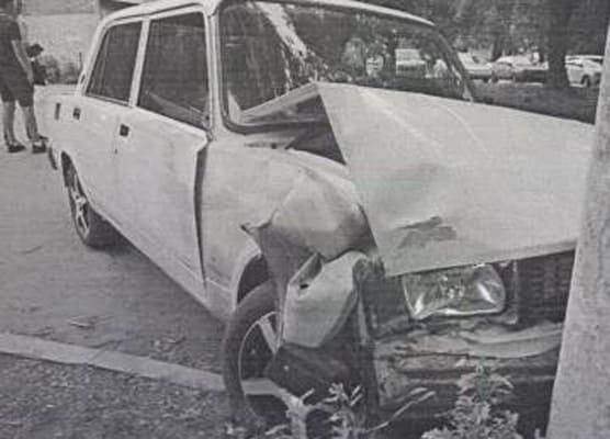 В Самаре 19-летний сотрудник автосервиса угнал и разбил вазовскую легковушку, которую ремонтировал | CityTraffic