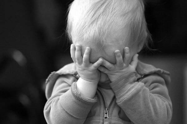 СК проверяет, била ли пьяная мать из Тольятти свою маленькую дочь   CityTraffic