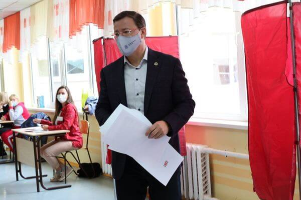 Дмитрий Азаров проголосовал на выборах депутатов Госдумы и Самарской губернской думы   CityTraffic