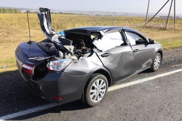 Тракторист без прав врезался в иномарку на трассе М-5 в Самарской области, пострадал ребенок | CityTraffic
