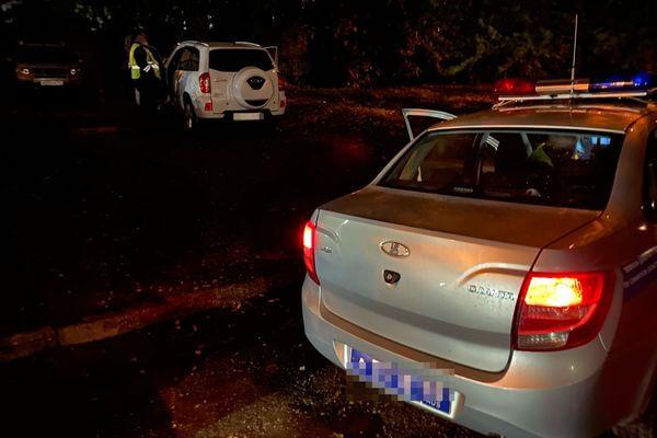 В Самаре пьяный водитель предложил остановившим его активистам выпить вместе | CityTraffic
