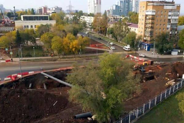 В Самаре сняли с воздуха перекрытую улицу Ново-Садовой, где строят путепровод | CityTraffic