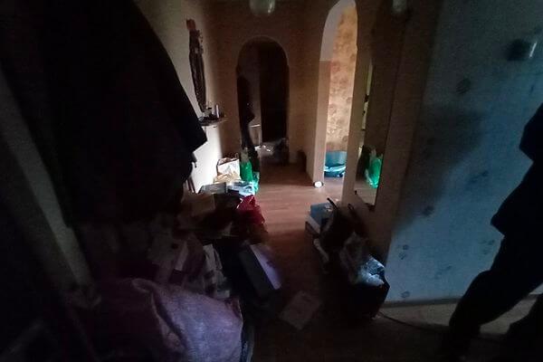 Житель Тольятти стрелял сигнальными патронами через отверстие в двери квартиры | CityTraffic