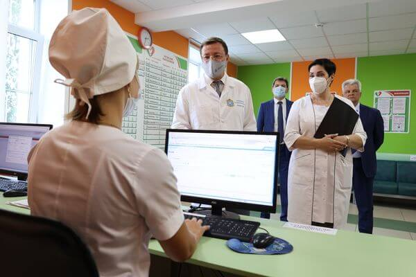 Дмитрий Азаров проверил работу детской поликлиники на Мехзаводе в Самаре | CityTraffic
