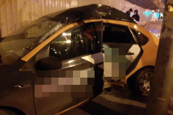 В Самаре 18-летний водитель врезался в столб на каршеринговом автомобиле | CityTraffic