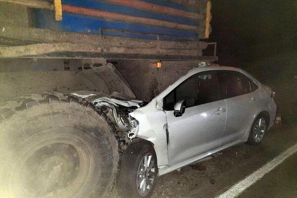 В Самарской области пострадал водитель иномарки, влетевшей под грузовик   CityTraffic