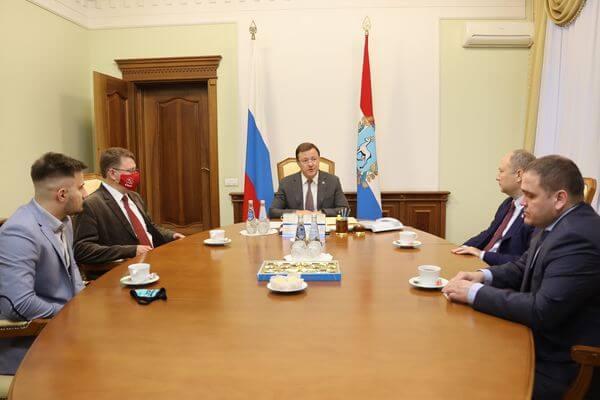 Глава Самарской области провел встречу с представителями парламентских партий | CityTraffic