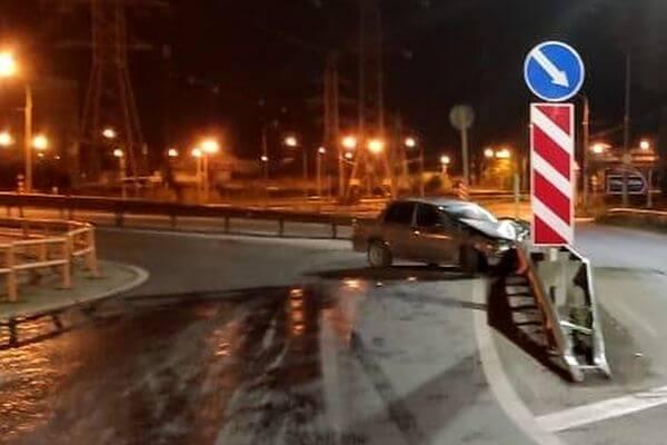 В Жигулевске пьяный водитель протаранил ограждение на дороге   CityTraffic