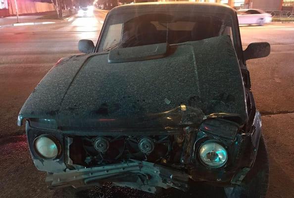 В Самаре на перекрестке не разъехались две вазовские легковушки, пострадал один человек   CityTraffic