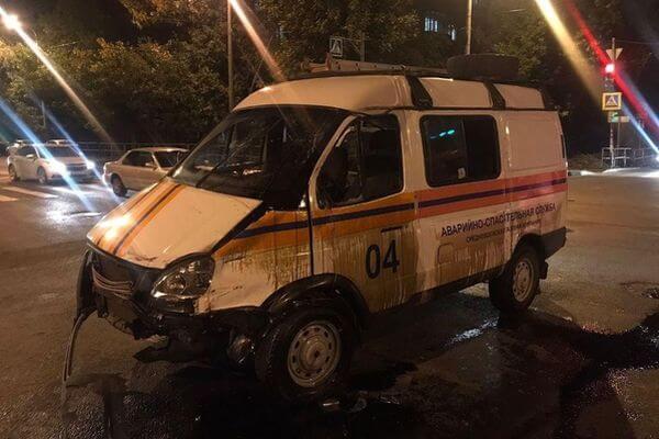 В Самаре вазовская легковушка опрокинула машину газовиков | CityTraffic