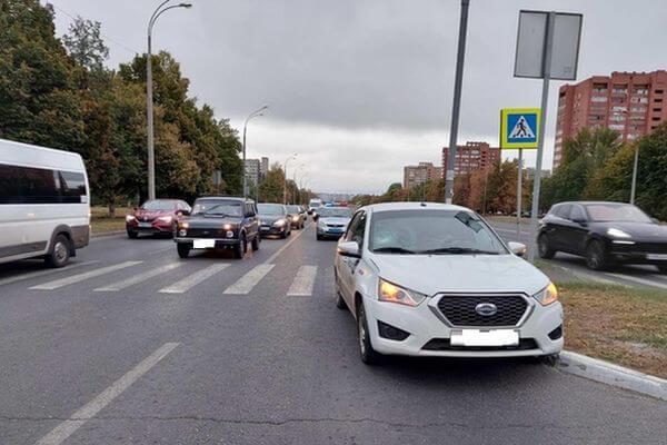 В Тольятти на переходе сбили ребенка на самокате