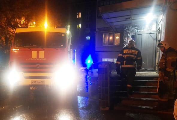 Два человека погибли в результате пожара в квартире дома на улице Галактионовской в Самаре | CityTraffic