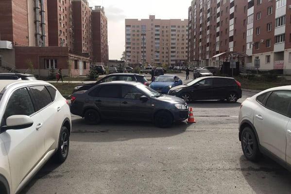 Две 9-летние девочки попали под машину в Самаре | CityTraffic