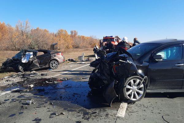 """Три человека погибли в столкновении двух легковушек на трассе """"М-5 """"Урал"""" - Сызрань""""   CityTraffic"""