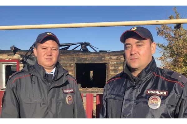 Полицейские вынесли из огня инвалида вСамарской области