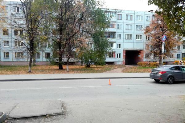 В Тольятти тяжелые травмы получил пенсионер, сбитый иномаркой вжилой зоне