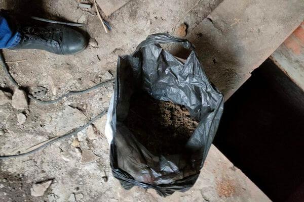 В гараже у селянина из Самарской области нашли больше 220 граммов марихуаны | CityTraffic