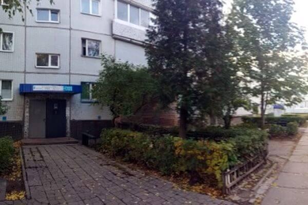 В Тольятти грабитель отобрал у прохожего телефон и выбросил его, потому что гаджет был устаревший   CityTraffic